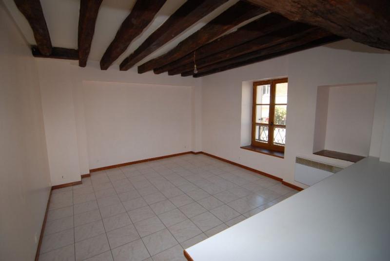 Locação apartamento La ville du bois 676€ CC - Fotografia 1