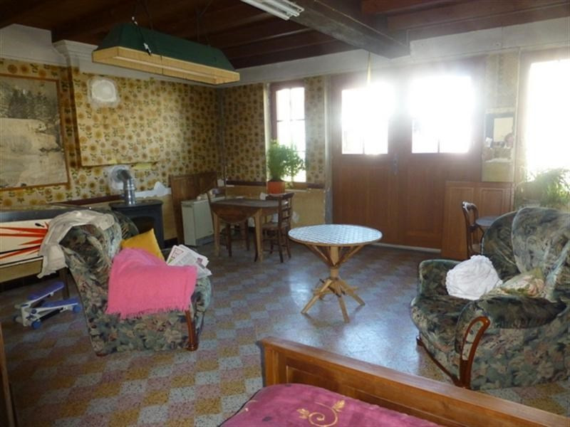 Sale house / villa St jean d angely 137500€ - Picture 3