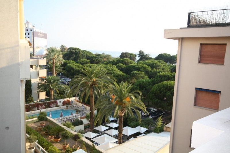 Rental apartment Juan les pins 1 750€ CC - Picture 4