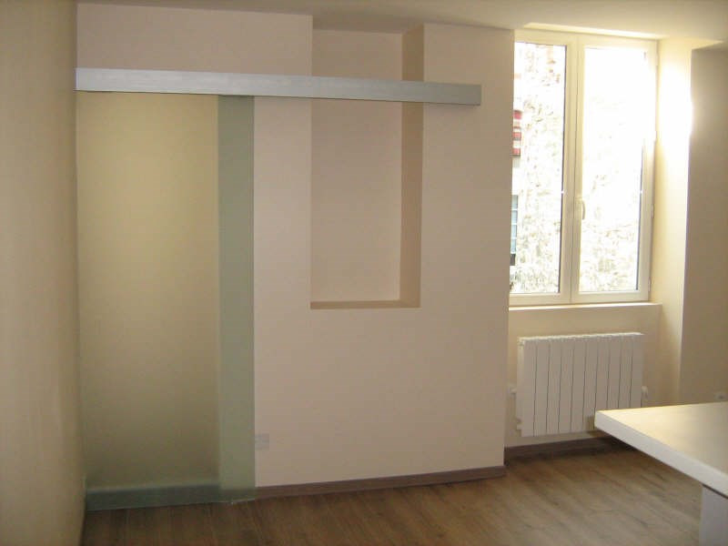 Rental apartment Bourgoin jallieu 400€ CC - Picture 2