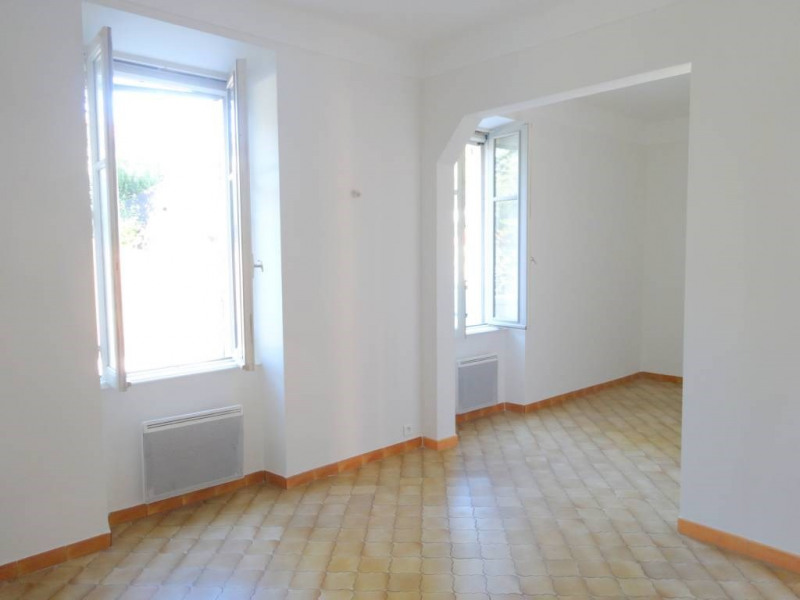 Rental house / villa Avignon 900€ CC - Picture 2