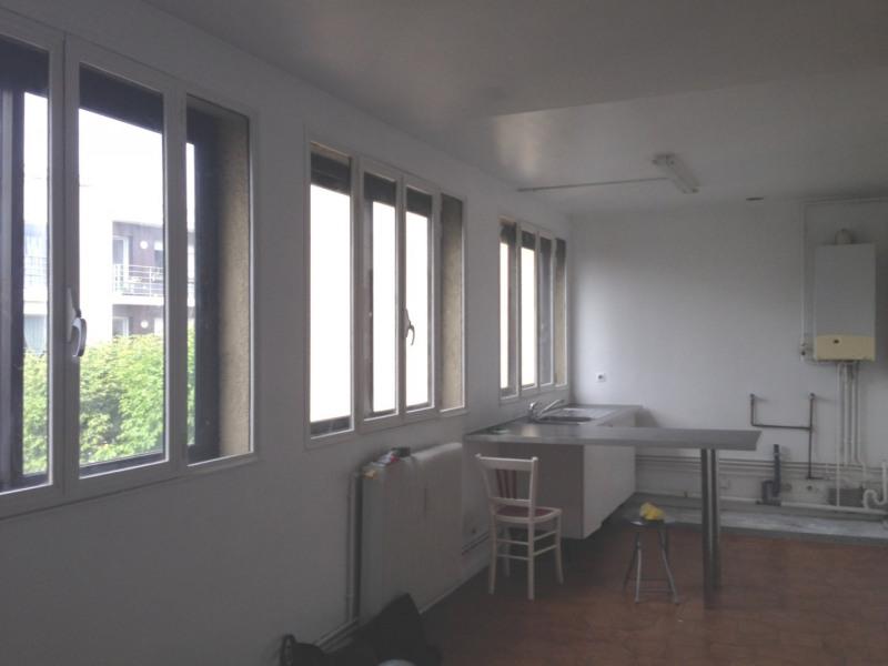 Rental apartment Montreuil 1193€ CC - Picture 1