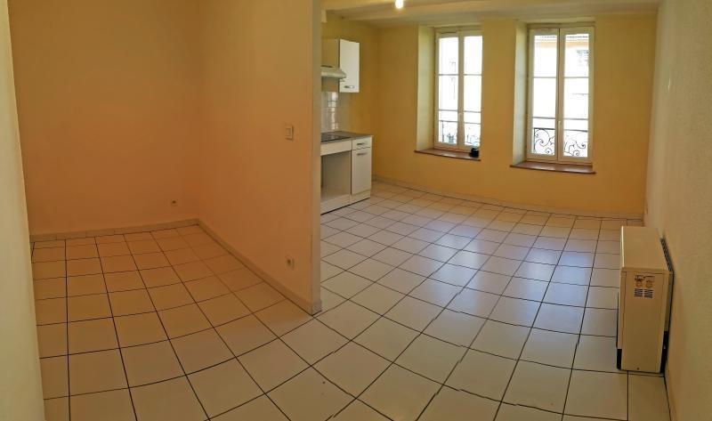 Rental apartment Nantua 213€ CC - Picture 2