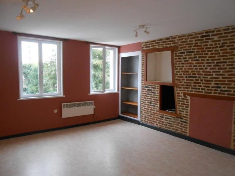 Location appartement Aire sur la lys 375€ CC - Photo 2