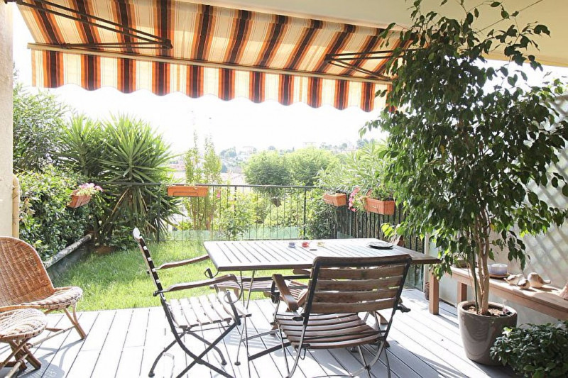 Sale apartment Nice 465 000€ - Picture 1