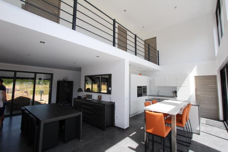 Sale house / villa Moncheaux 332000€ - Picture 3