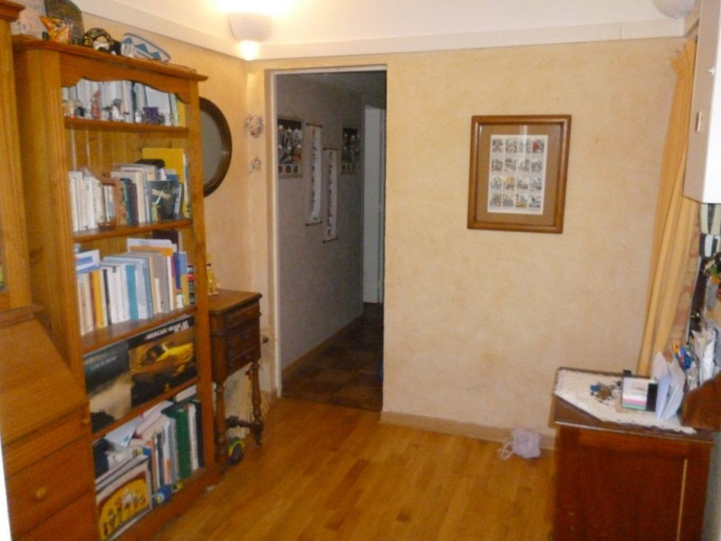 Sale apartment Beauvais 109 000€ - Picture 2