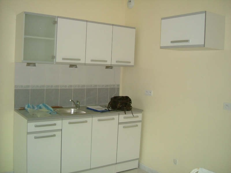 Rental apartment Vendome 560€ CC - Picture 1