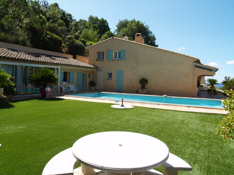 Sale house / villa Les issambres 1 092 000€ - Picture 1