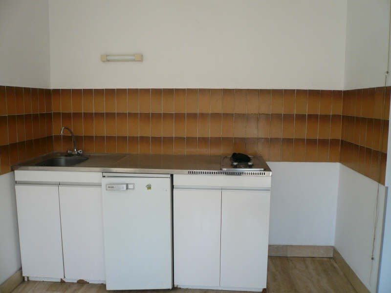Location appartement Nimes 434€ CC - Photo 2