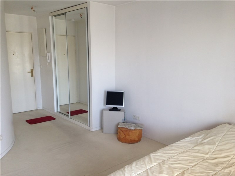 Rental apartment Boulogne billancourt 934€ CC - Picture 2
