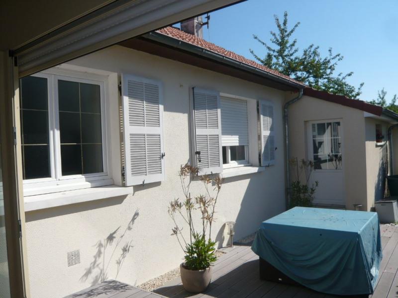 Sale house / villa Laval 252000€ - Picture 2