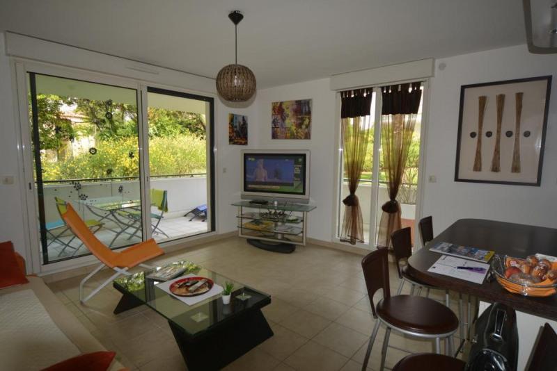 Sale apartment Juan-les-pins 368000€ - Picture 1