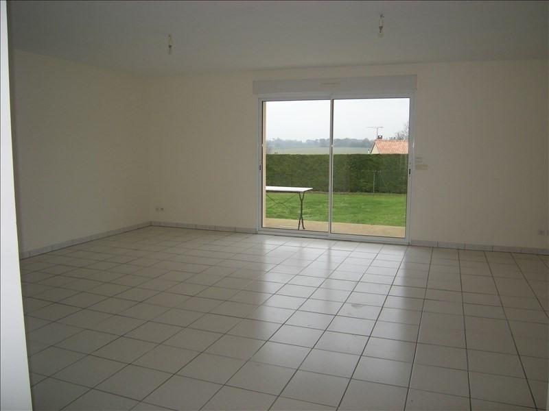 Location maison / villa Colombiers 800€ CC - Photo 4