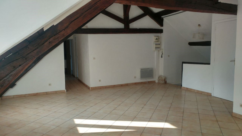 Rental apartment Montlhery 780€ CC - Picture 2