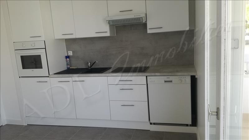 Rental apartment Chantilly 1050€ CC - Picture 2