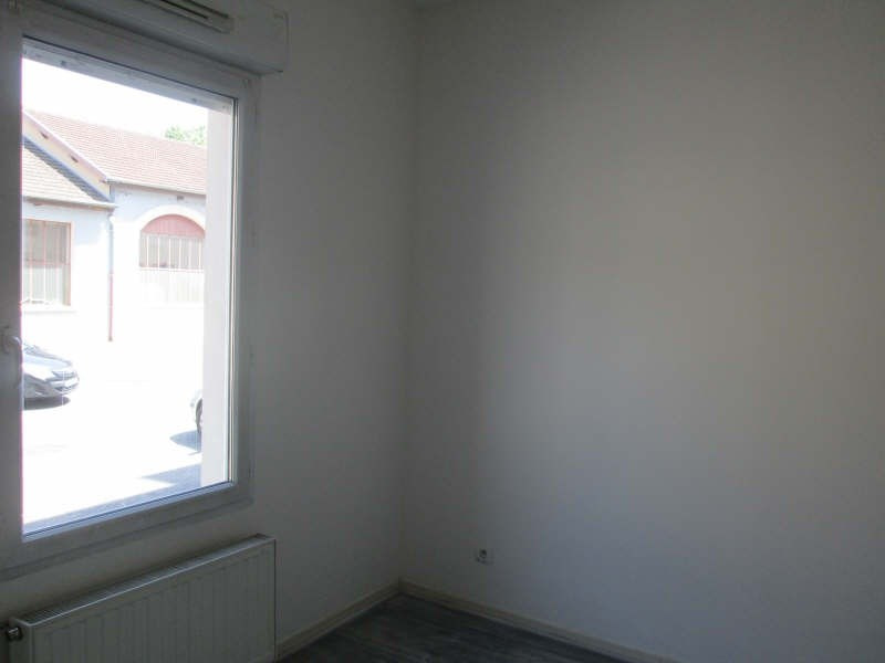Rental apartment Bourgoin jallieu 595€cc - Picture 3