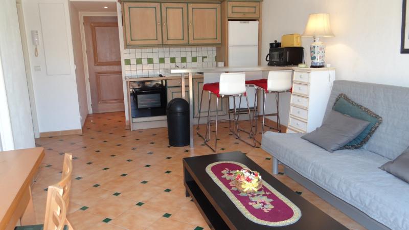 Location vacances appartement Cavalaire 600€ - Photo 7