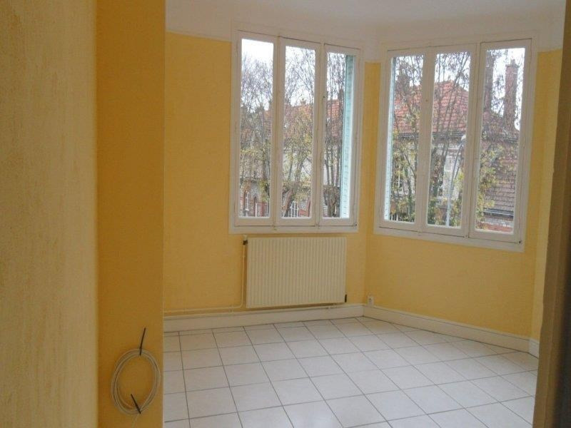 Rental apartment Troyes 582€ CC - Picture 2