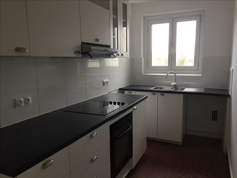 Location appartement Louveciennes 1 280€ CC - Photo 2
