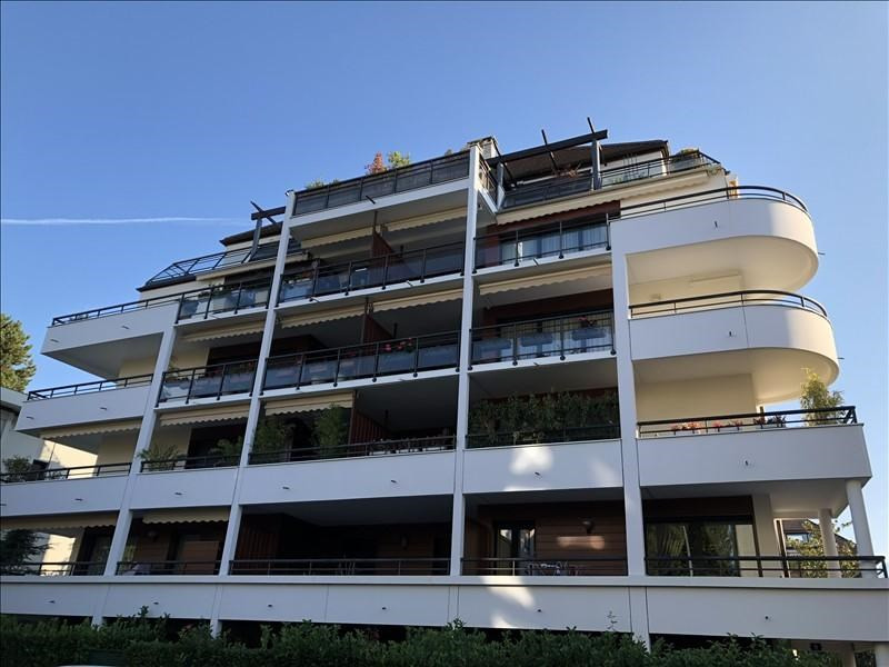 Sale apartment Annecy 680 000€ - Picture 1