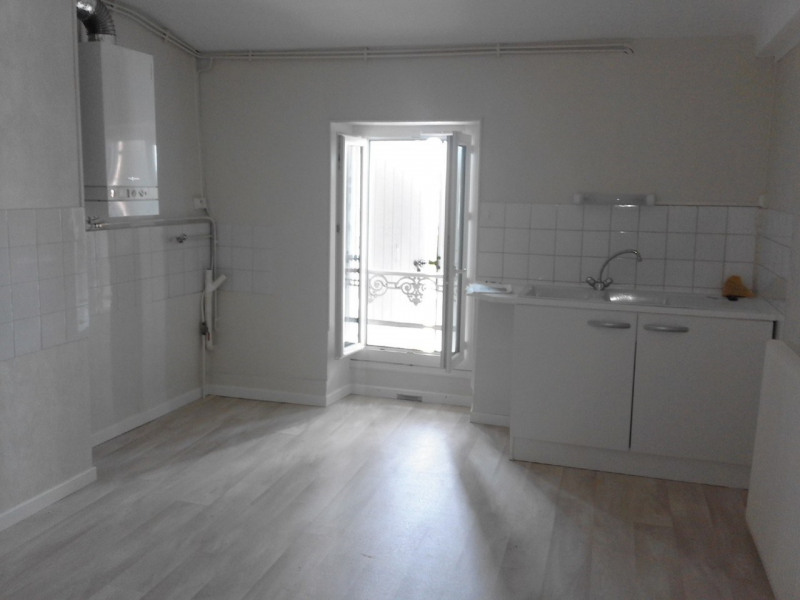Rental apartment Barbezieux-saint-hilaire 470€ CC - Picture 1