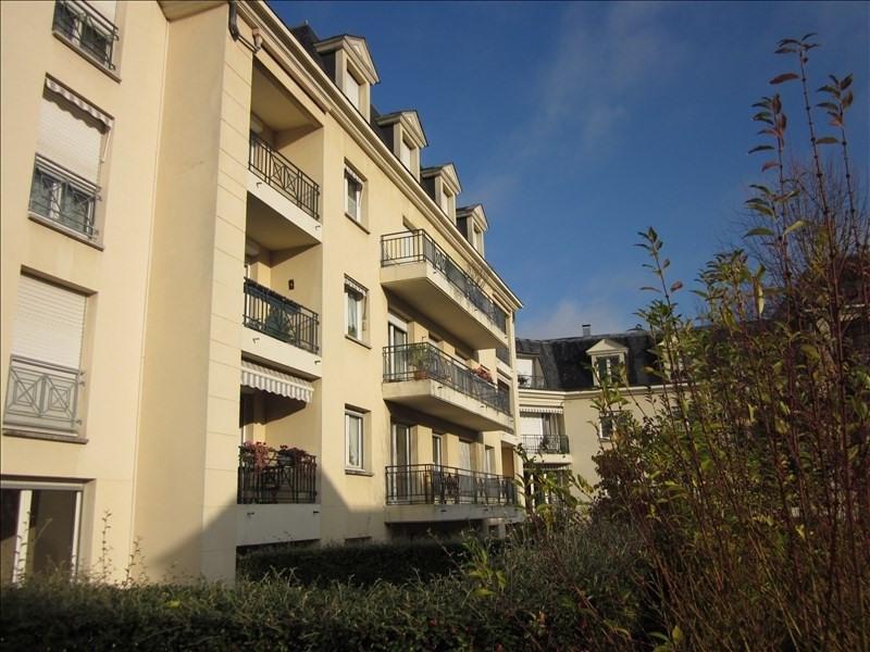 Location appartement Poissy 867€ CC - Photo 1