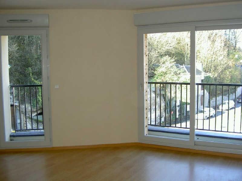 Rental apartment Vendome 540€ CC - Picture 1