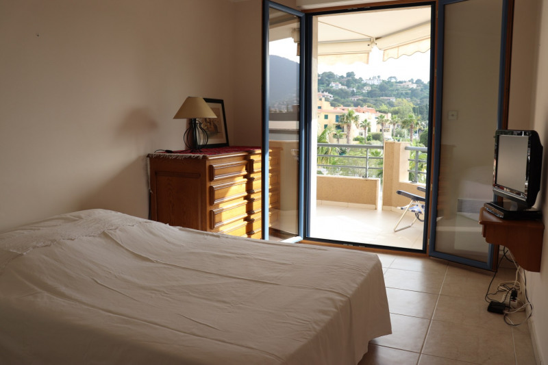 Vacation rental apartment Cavalaire sur mer 500€ - Picture 10
