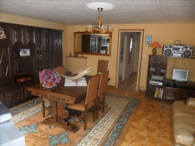 Sale house / villa Loulay 159500€ - Picture 2