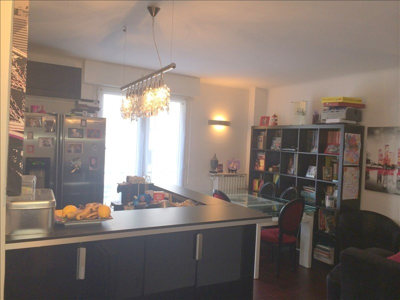 Rental apartment Courbevoie 1 295€ CC - Picture 1