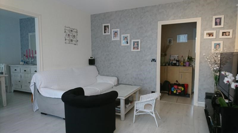 Sale apartment Bois d arcy 251 000€ - Picture 3