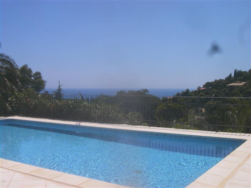 Sale house / villa Les issambres 585000€ - Picture 3