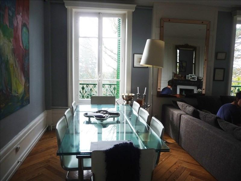 Rental apartment Charbonnieres les bains 1980€ CC - Picture 1