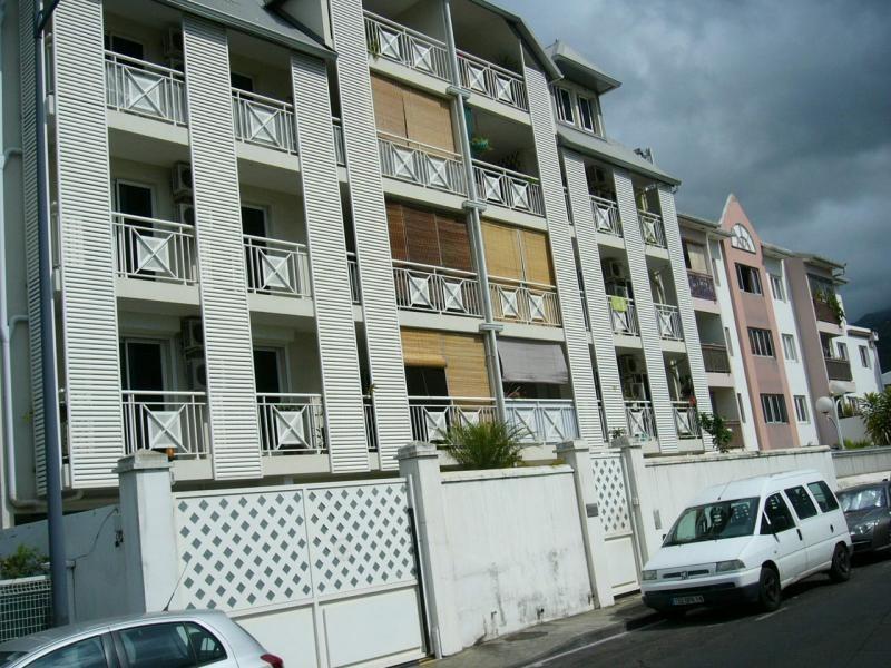 Sale apartment St denis 77000€ - Picture 1