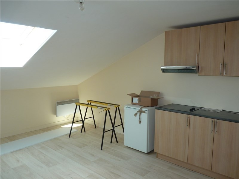 Location appartement La roche sur yon 385€ CC - Photo 2
