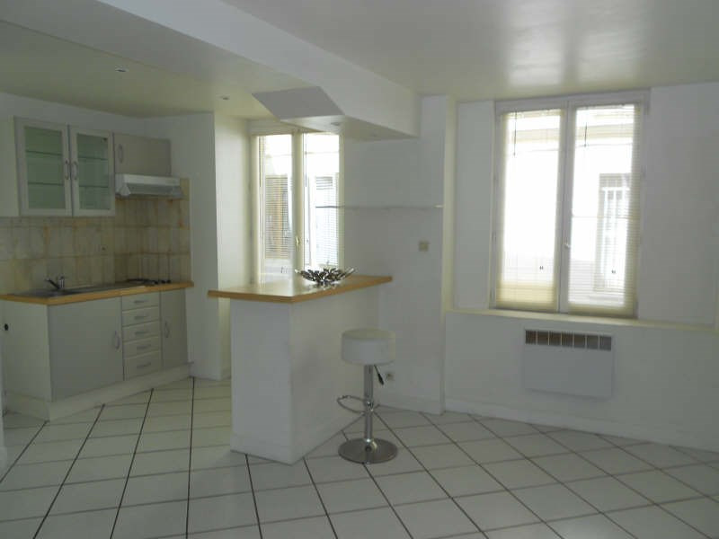 Rental apartment St germain en laye 845€ CC - Picture 1