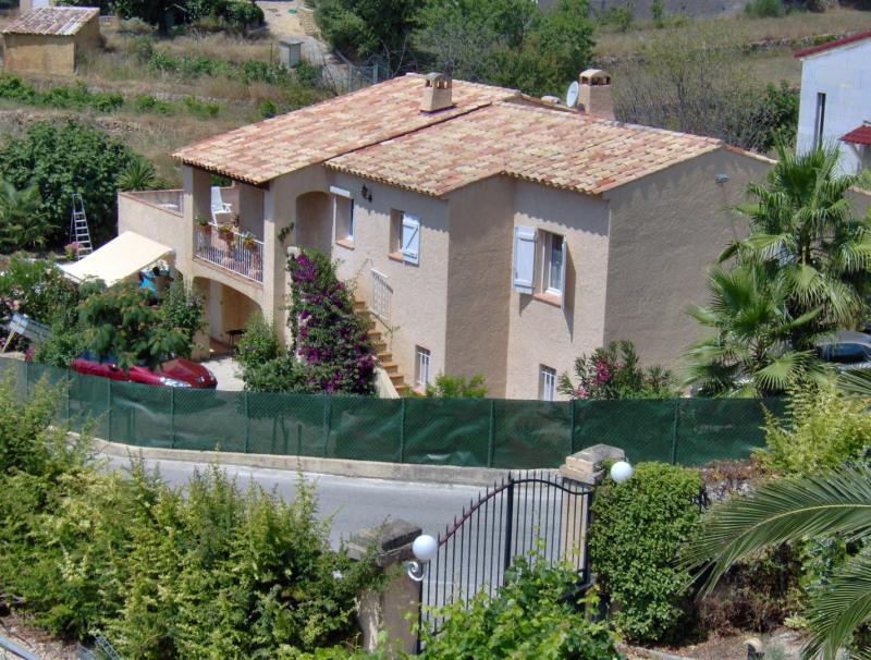 Location maison / villa Ste anne du castellet 2030€ CC - Photo 1
