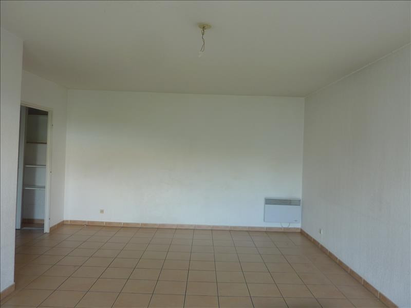 Location appartement Marseille 8ème 920€ CC - Photo 3