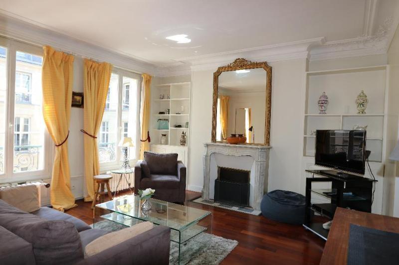 Location appartement Paris 8ème 2600€ CC - Photo 2