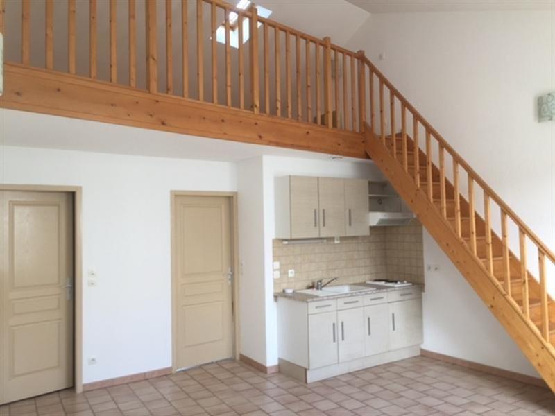 Rental apartment Saintes 502€ CC - Picture 2