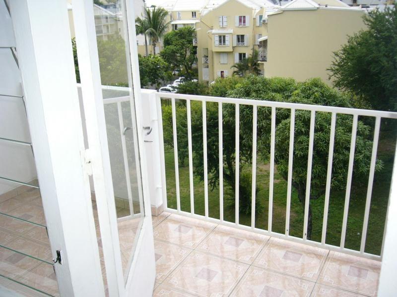 Sale apartment St denis 83000€ - Picture 4