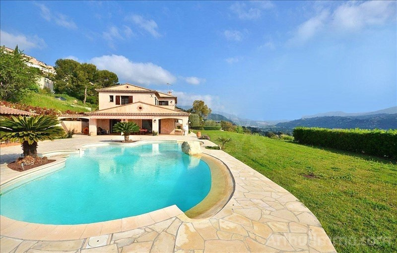 Deluxe sale house / villa St laurent du var 1 260 000€ - Picture 5