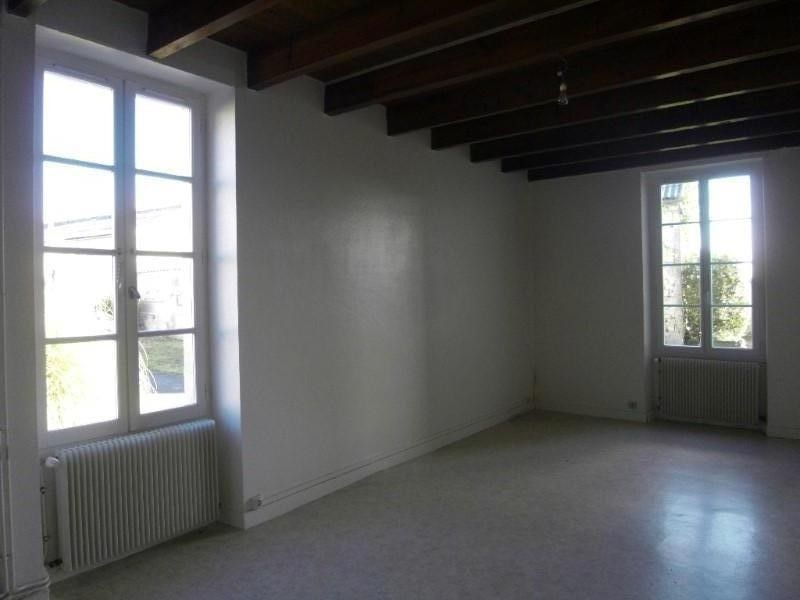 Rental house / villa Verrieres 450€ CC - Picture 1