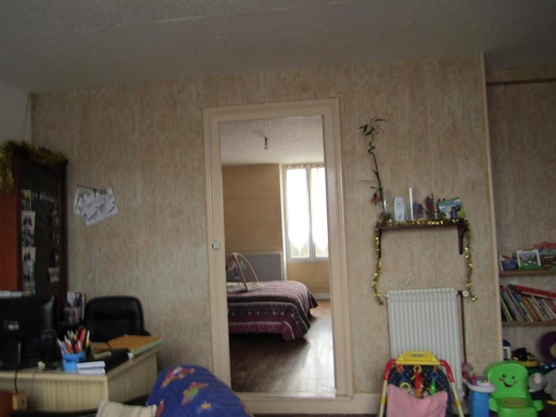 Sale house / villa Barbezieux saint-hilaire 85000€ - Picture 4