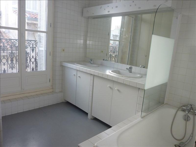 Location appartement Marseille 6ème 2110€ CC - Photo 7
