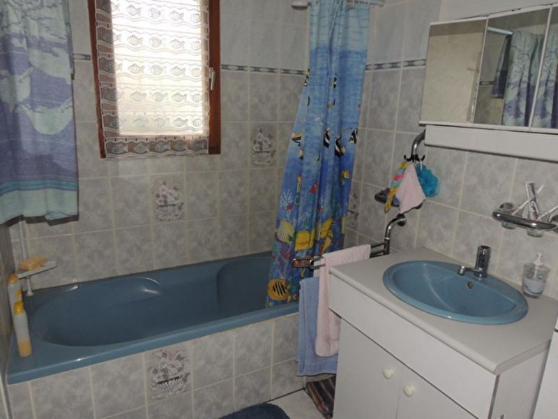 Sale house / villa Royan 230000€ - Picture 9