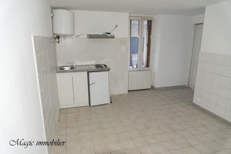 Rental apartment Oyonnax 175€ CC - Picture 1