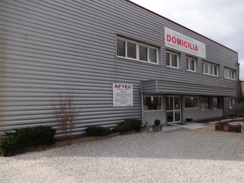 Vente local commercial Sorgues 945 000€ - Photo 1