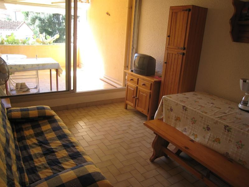 Location vacances appartement Cavalaire 300€ - Photo 5